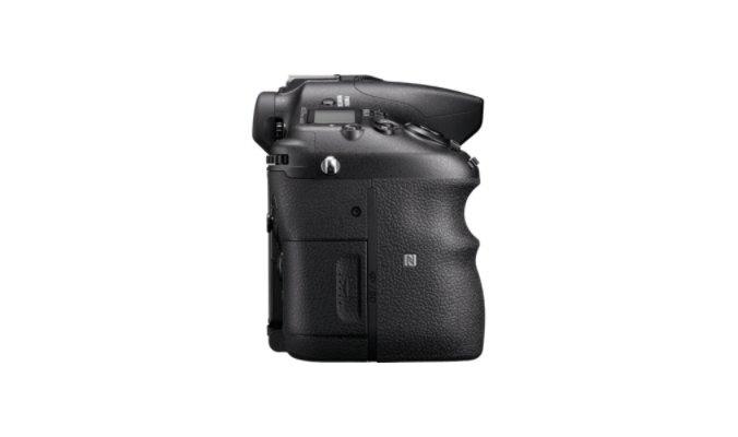 Sony Alpha A77 Mark II Body, Juoda