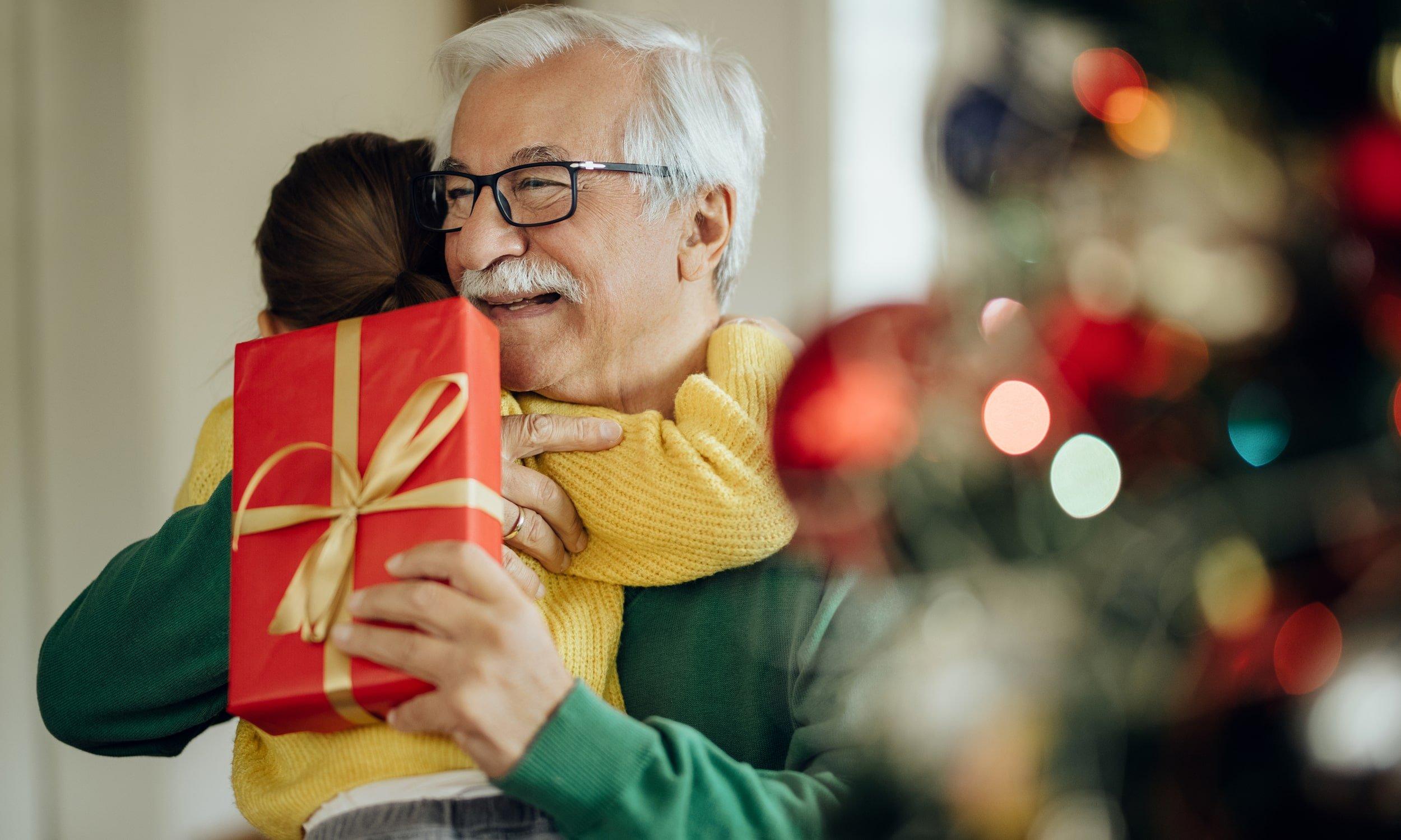 anuke sveikina seneli su kaledomis
